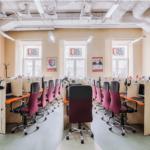 Компьютерный зал в филиале Wall Street English на Смоленской